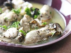 牡蠣のガーリックオイル蒸し